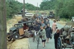 1930-Rosengart-5CV-LR2-dans-Mais-ou-est-donc-passee-la-7eme-compagnie-Film-1973
