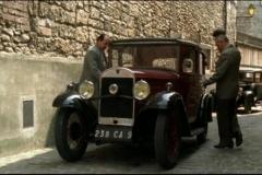 1934-Rosengart-5CV-LR47-dans-A-droite-toute-Mini-serie-2008-Ep.-2