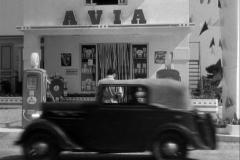 1936-Rosengart-5CV-Supercinq-LR4-N2-dans-La-lumiere-den-face-Film-1955