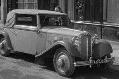 LR500-1933-dans-film-Quai-des-orfevres-large